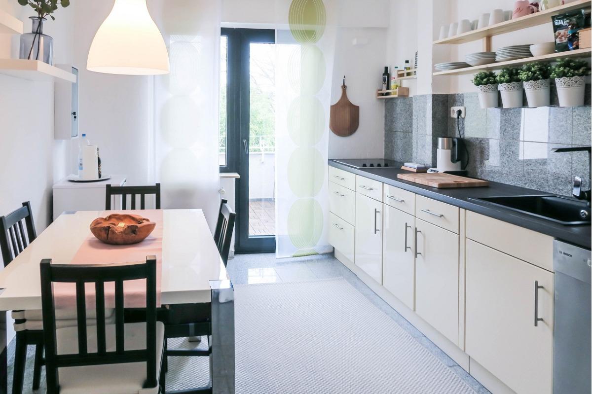OG Küche und Balkon