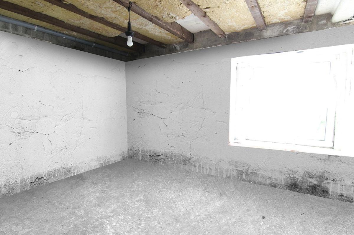 EG Wohnung 2: Schlafzimmer (sanierungsbedürftig)
