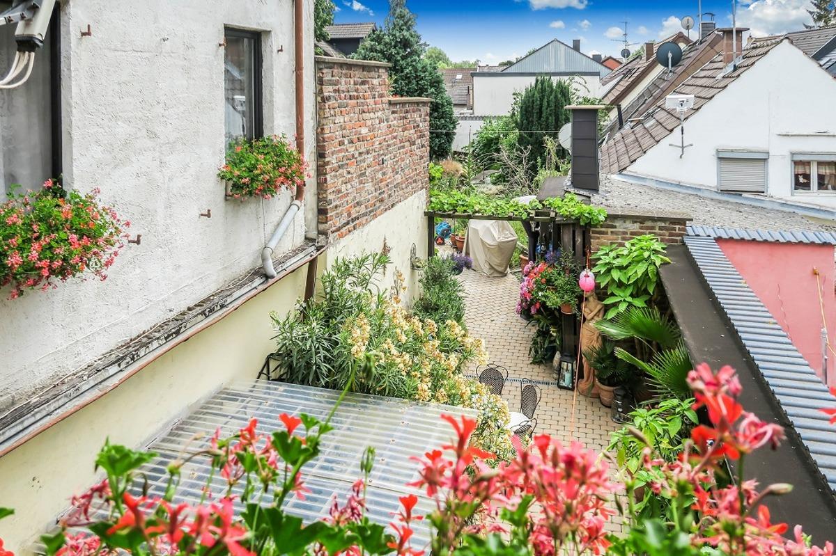 OG: Sicht zum Gartenbereich