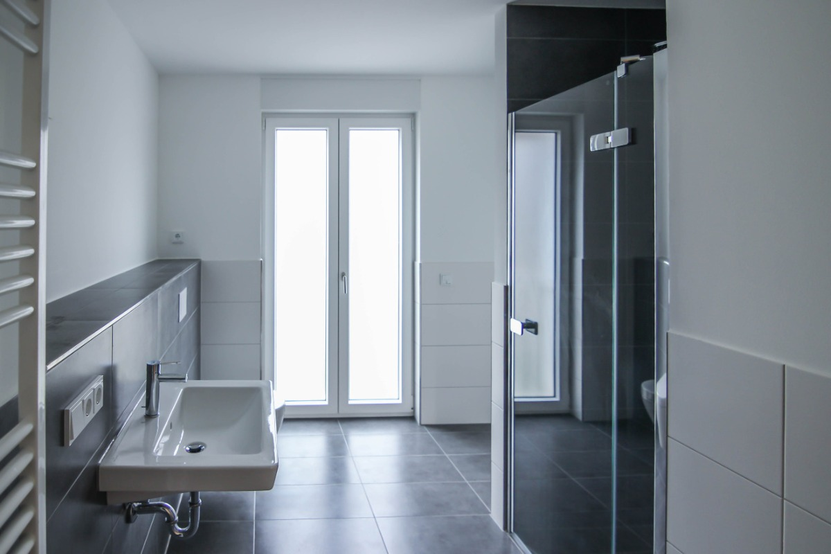 Großes Badezimmer 1