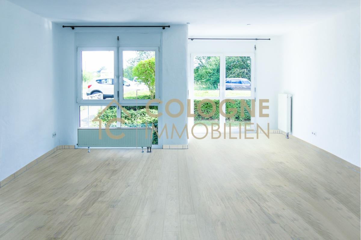 Lichtdurchflutetes Wohnzimmer (Mögliche Planung)