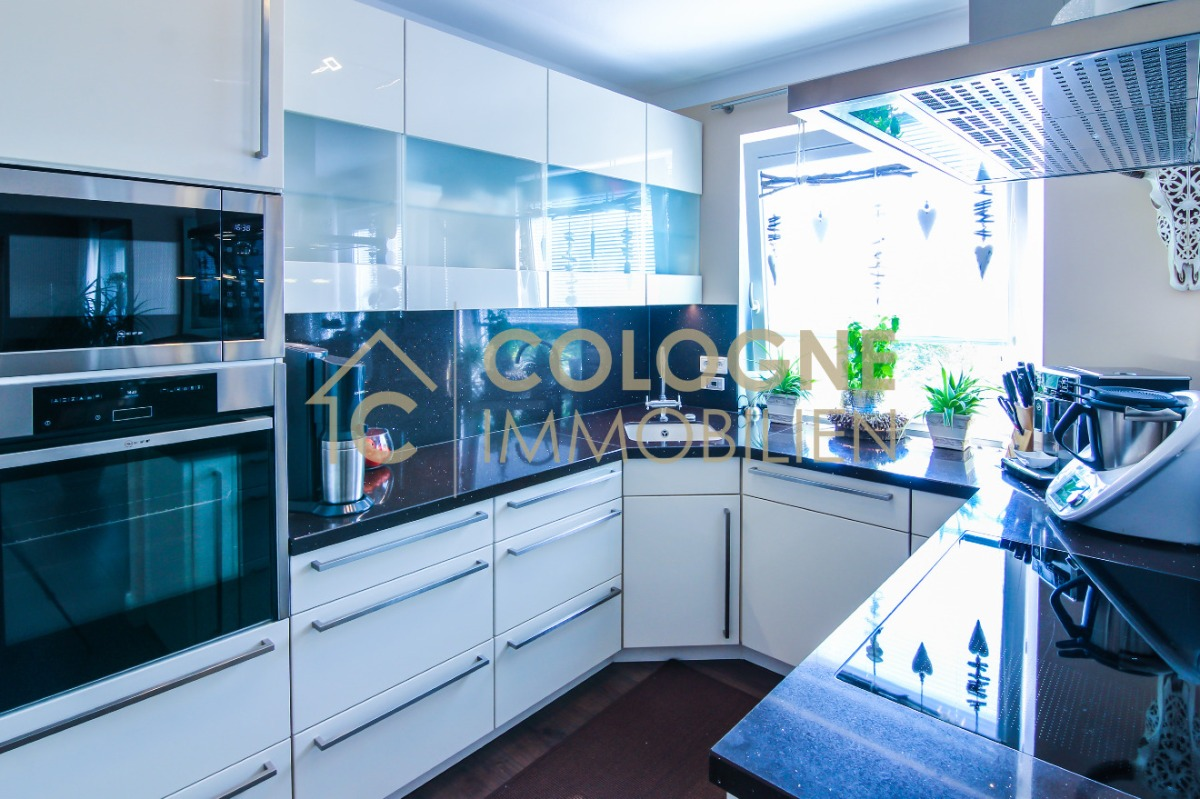 Offene moderne Küche inklusive
