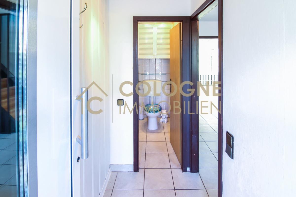 Frontflurbereich (Eingang) inkl. Gäste-WC