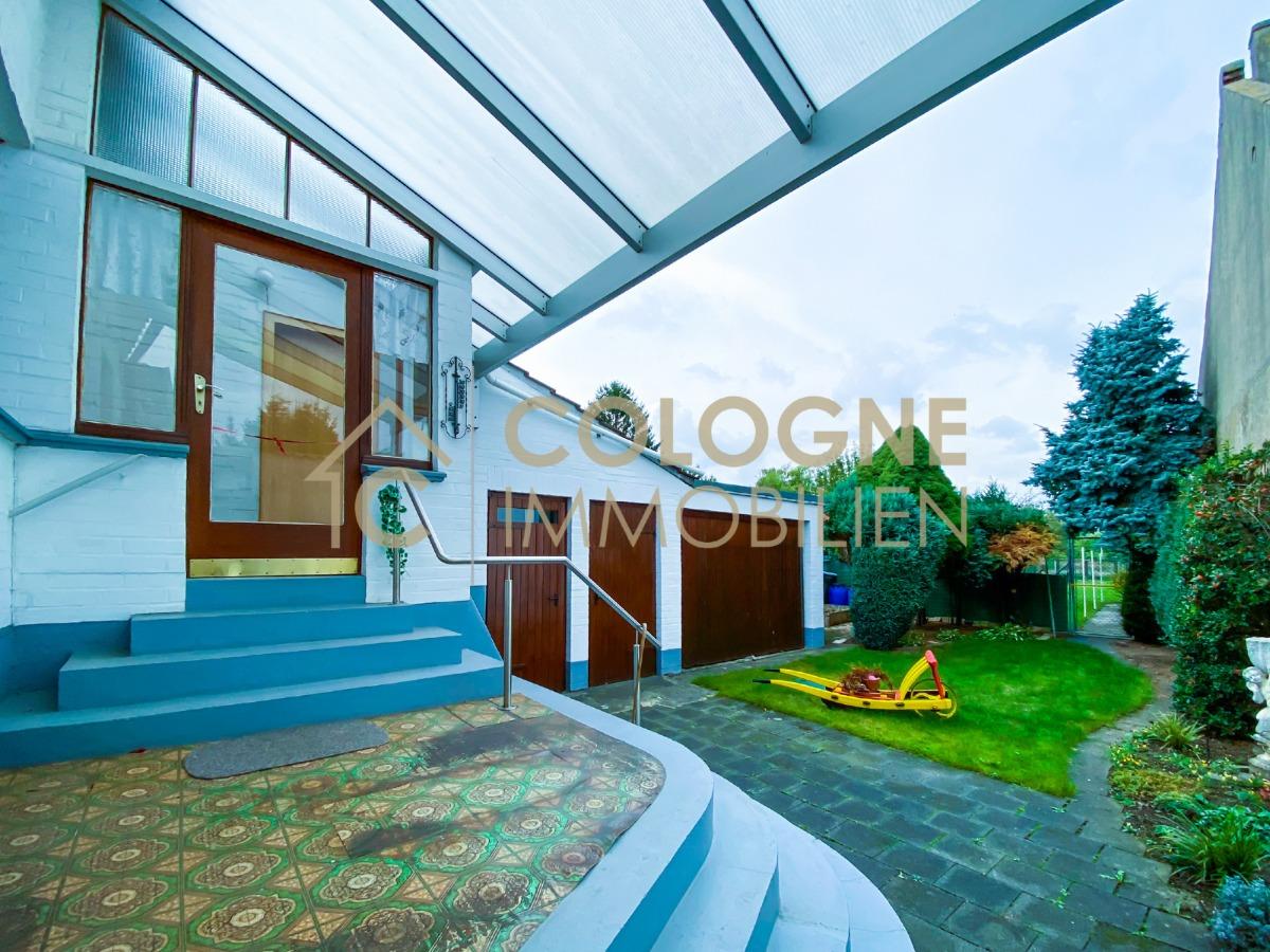 Terrassensicht mit weiteren Zugang zum Haus