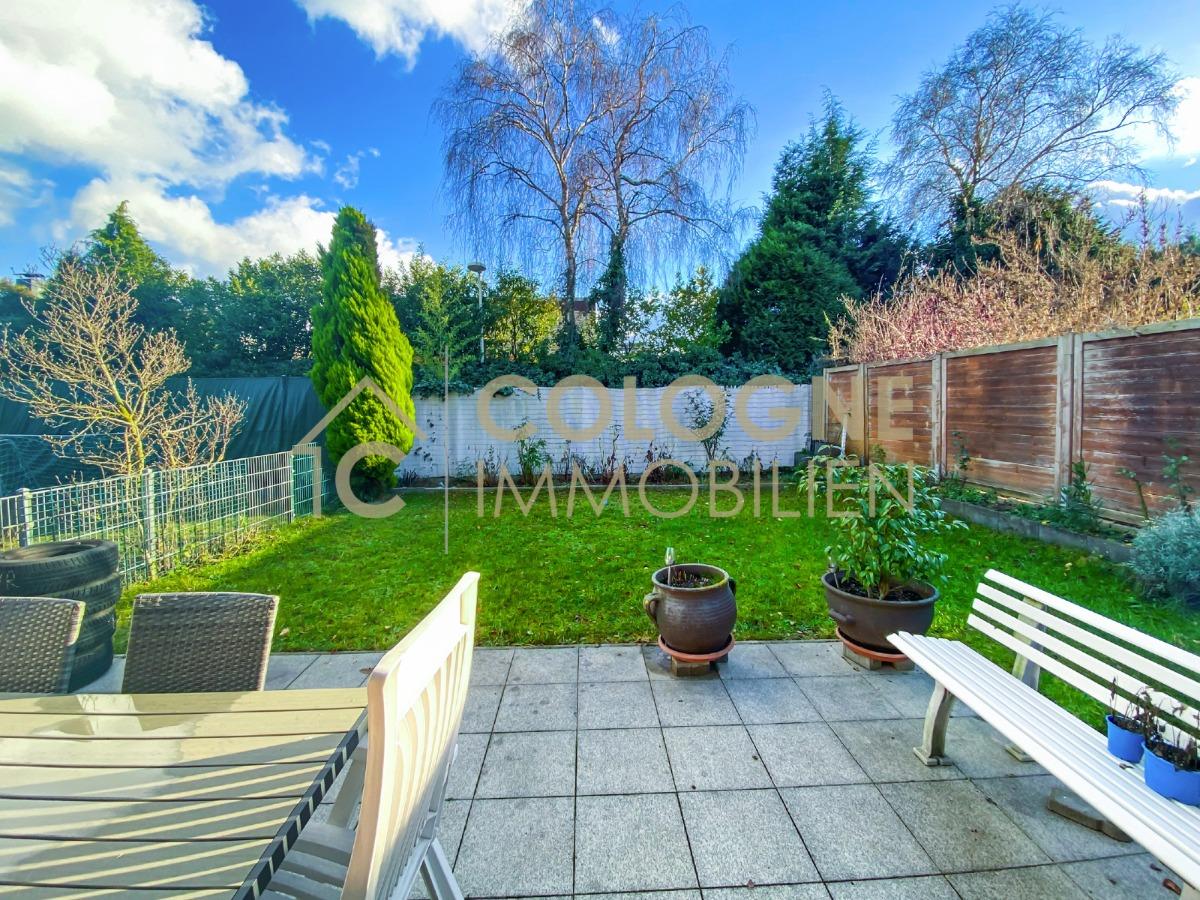 Terrasse mit schönen Garten