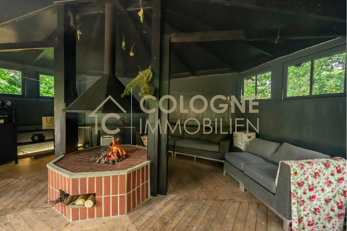 Partyraum im Gartenbereich mit eigener Terrasse