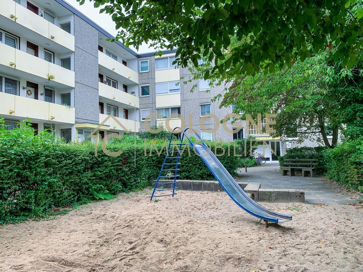 Spielplatz vor der Wohnung
