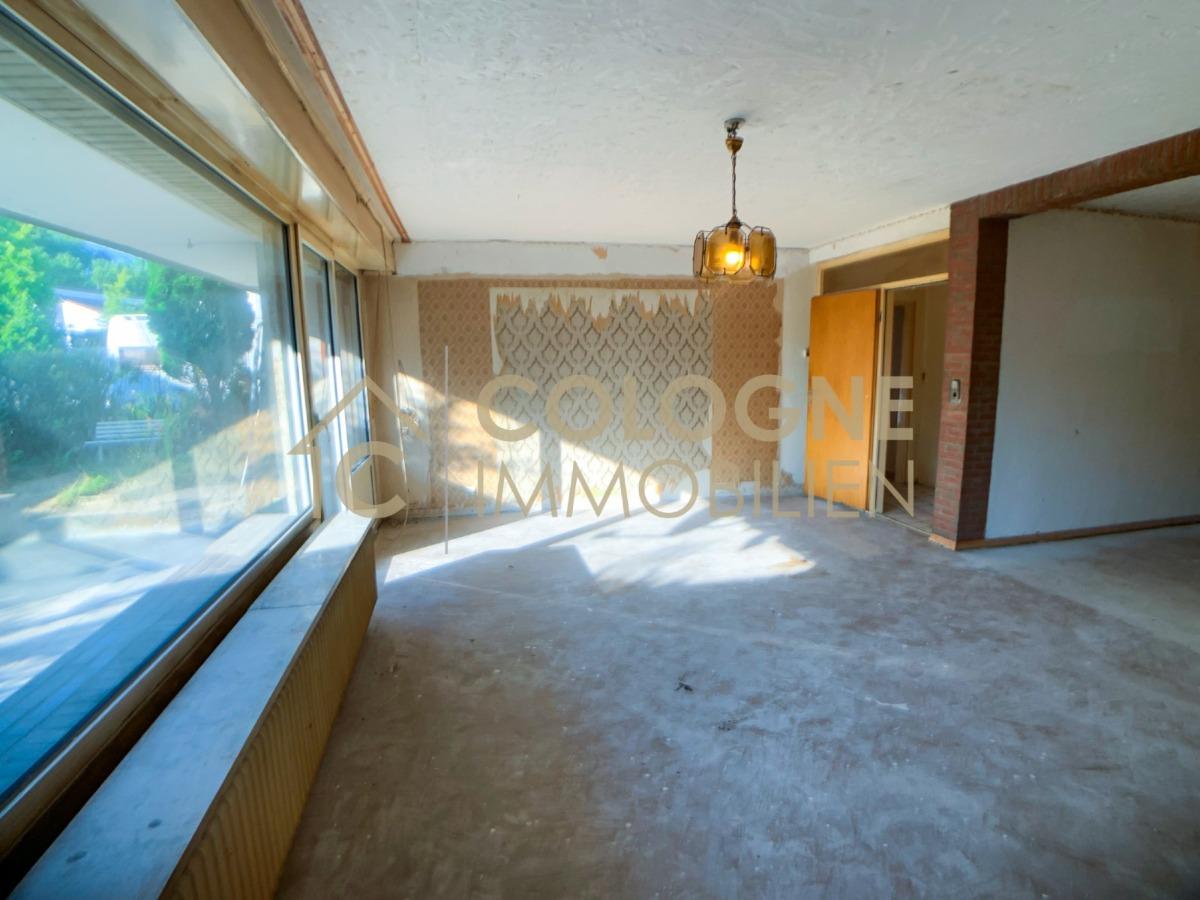 EG_Wohnzimmer mit Durchgang zum Verteilerflur